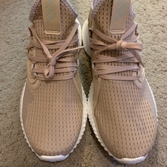 alphabounce instinct shoes womens